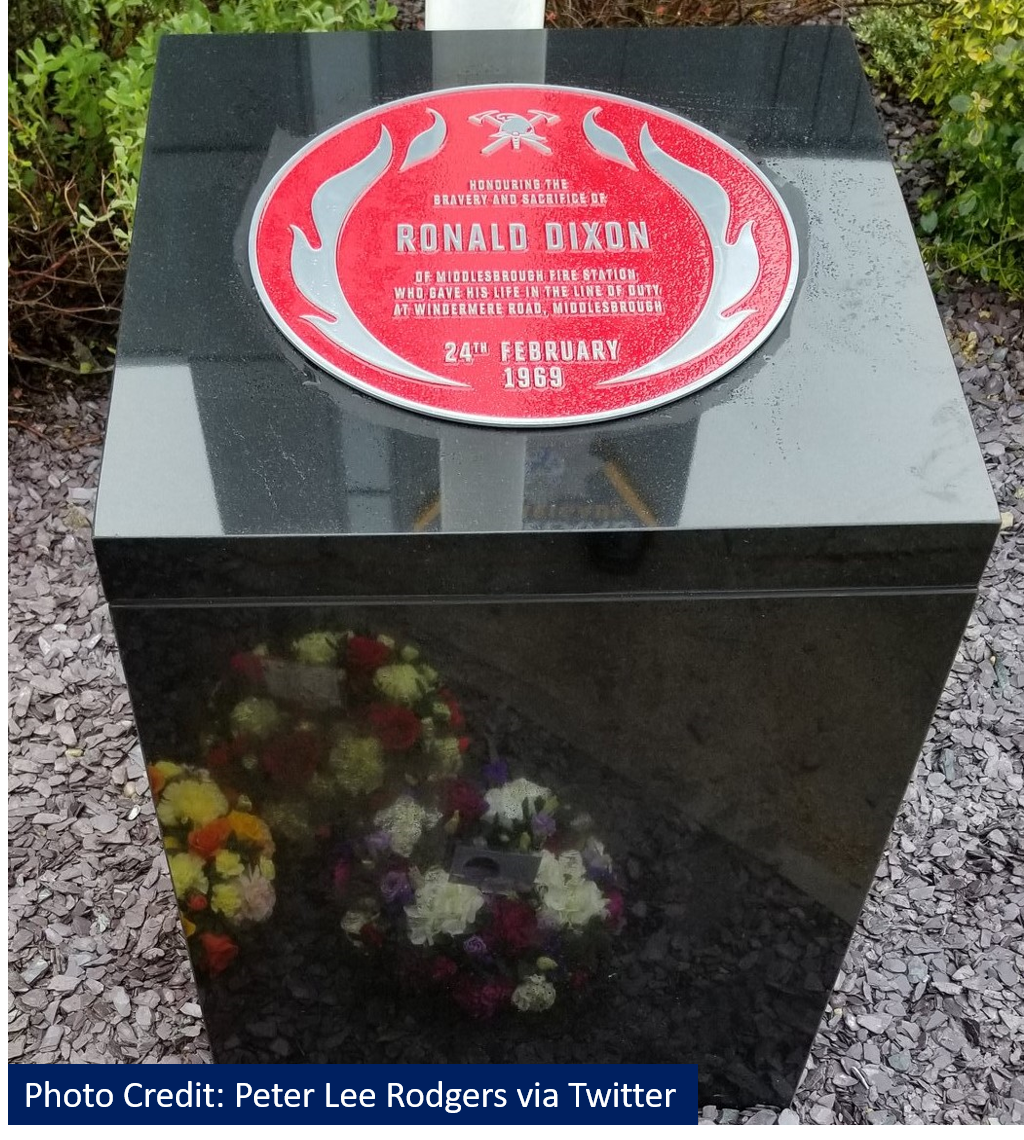 Red Plaque in memory of Ronald Dixon unveiled